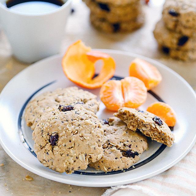 Овсяное печенье для завтрака с семенами чиа